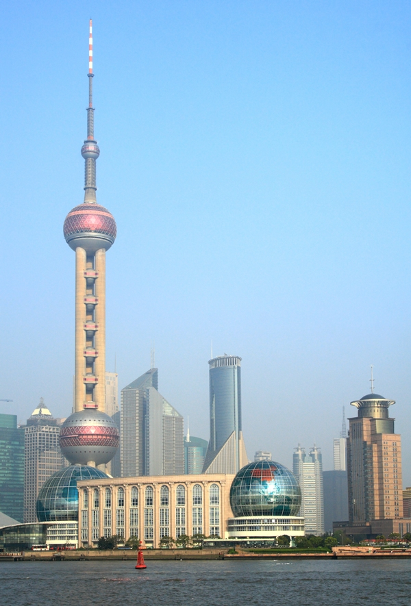 Shanghai with the Oriental Pearl Tower