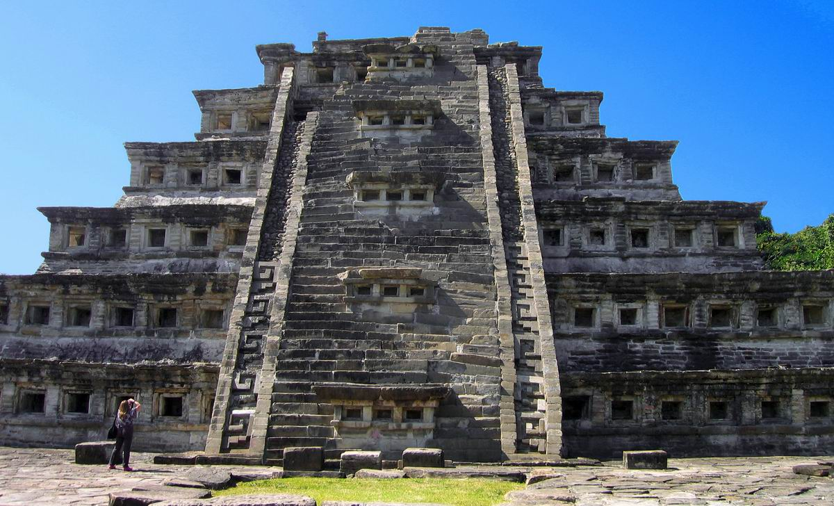 el tajin pyramid of the niches
