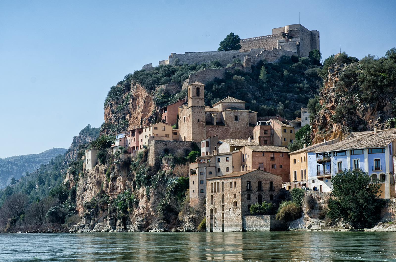 miravet castle spain