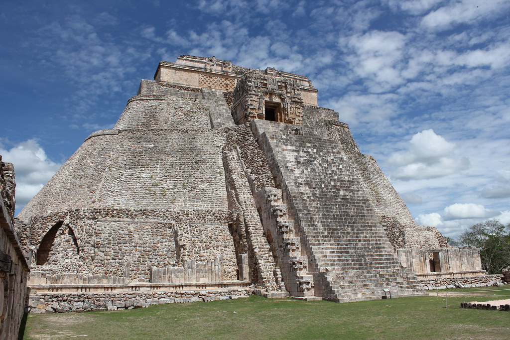 uxmal pyramid of the magician